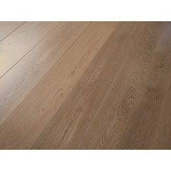 Traditional Oak Lacquered Engineered Flooring