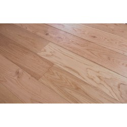 Natural Oak Lacquered Engineered Wood Flooring
